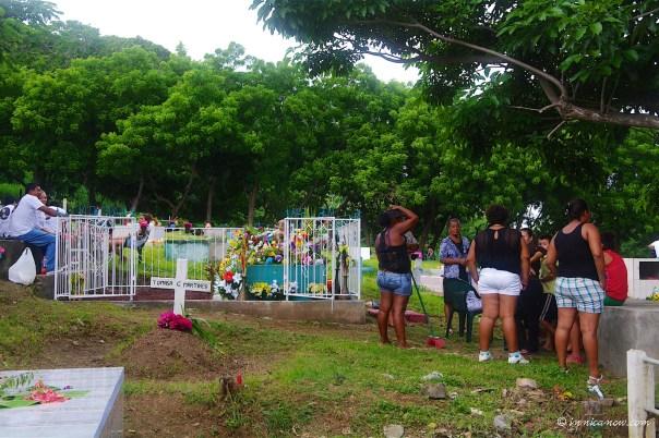 Cleaning Up: Dia de Los Muertos, SJDS, Nicaragua