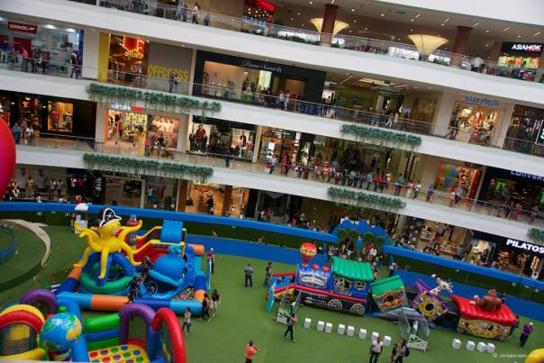 SanteFe Shopping Mall: Medellin, Colombia
