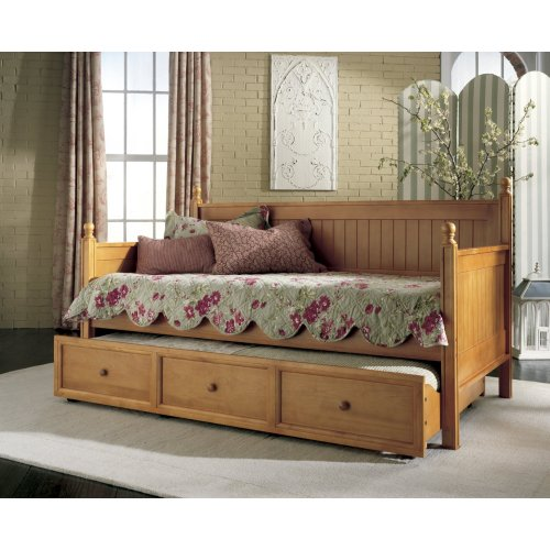 Medium Crop Of Daybeds With Trundle
