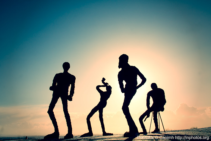 musical statues