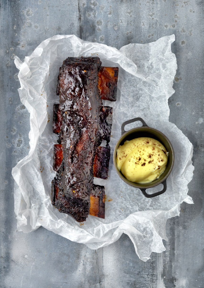 Coffee glazed short rib of beef with creamed potato and roasted carrots recipe