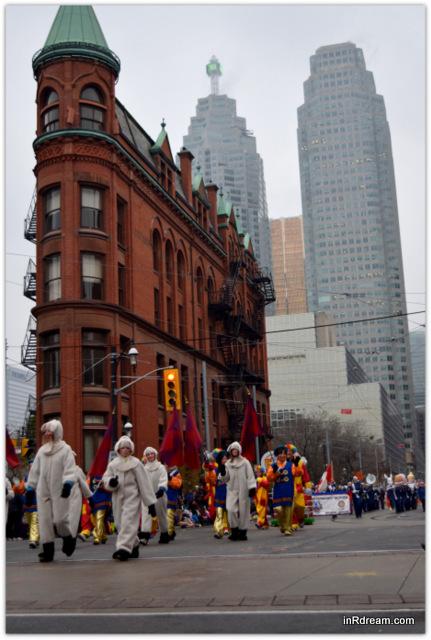 Toronto Santa Claus Parade 2014 Clowns