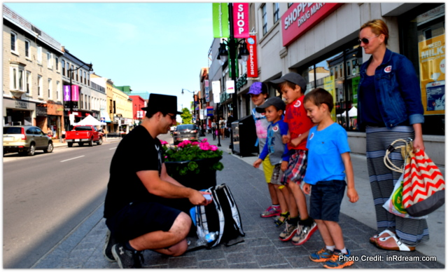 Kingston Ontario street Magician, KOA Kingston Camping,  Canada Lifestyle Blogger