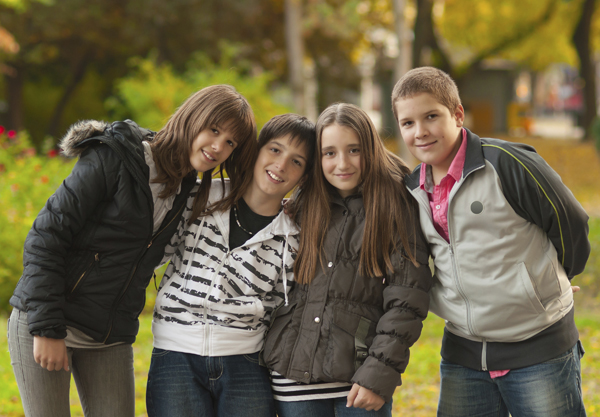 teen-kids-in-park