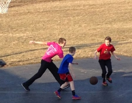 Basketball-with-siblings