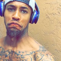DeVane Gives Us A Shirtless Update