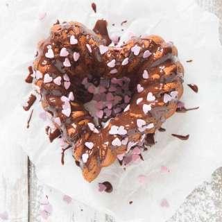 Valentine cake | insimoneskitchen.com