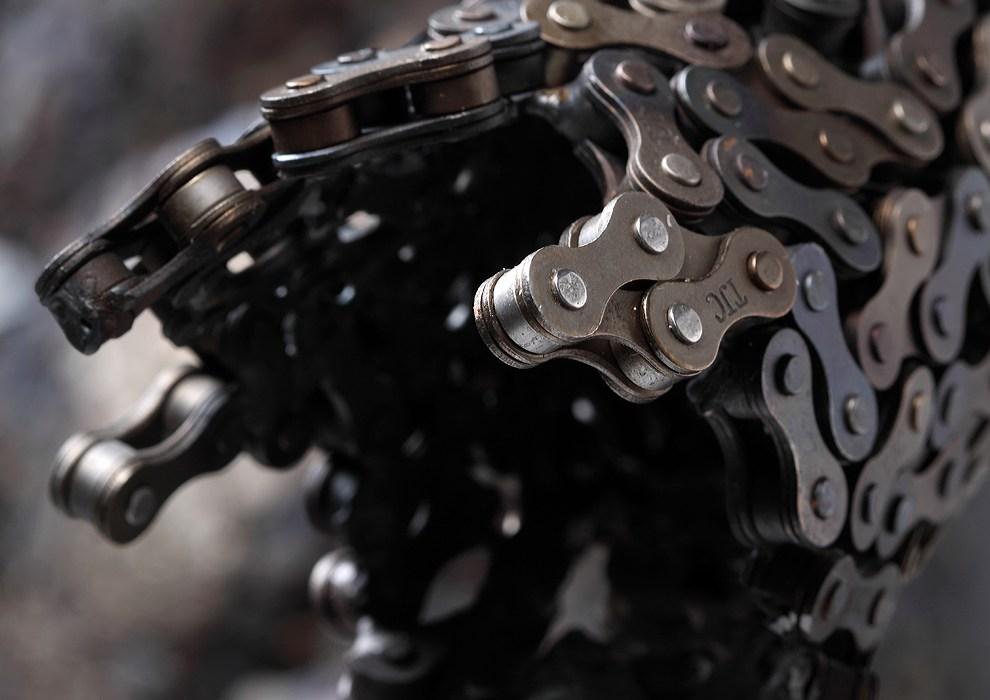 iron chain sculpture 11