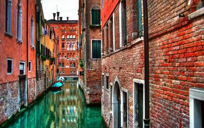 Venice Italy, The Most Romantic City in the World - InspirationSeek.com