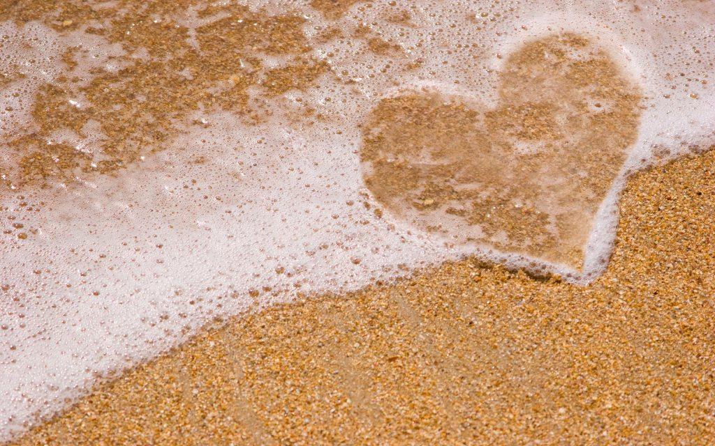 Heart-Sand-Beach-Nature