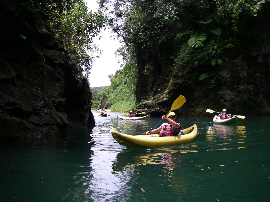 Kayaking on the Luva River with River Trails