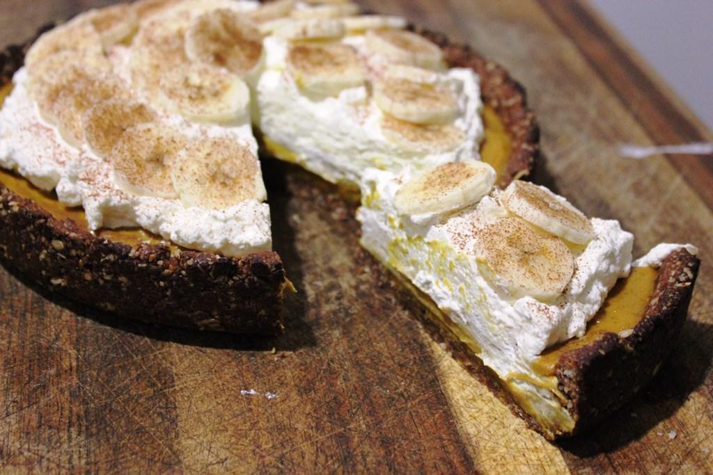 Sugar-free banoffee pie slice