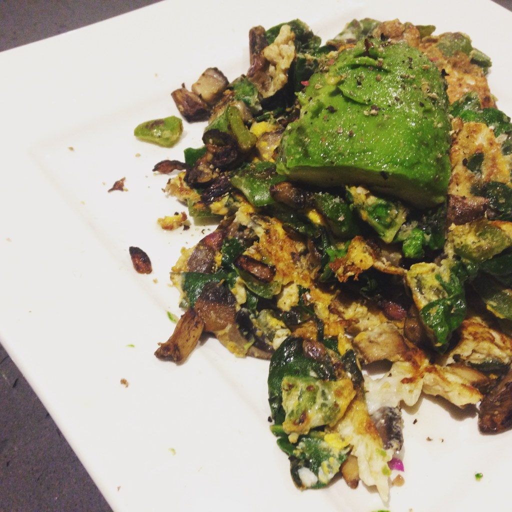 Scrambled eggs with mushroom, capsicum, spinach and avocado