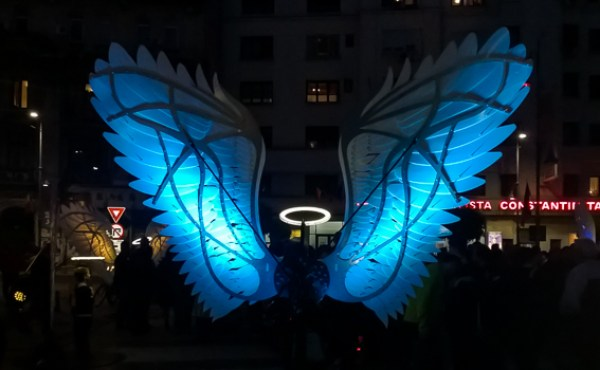 Angels of freedom (blue)
