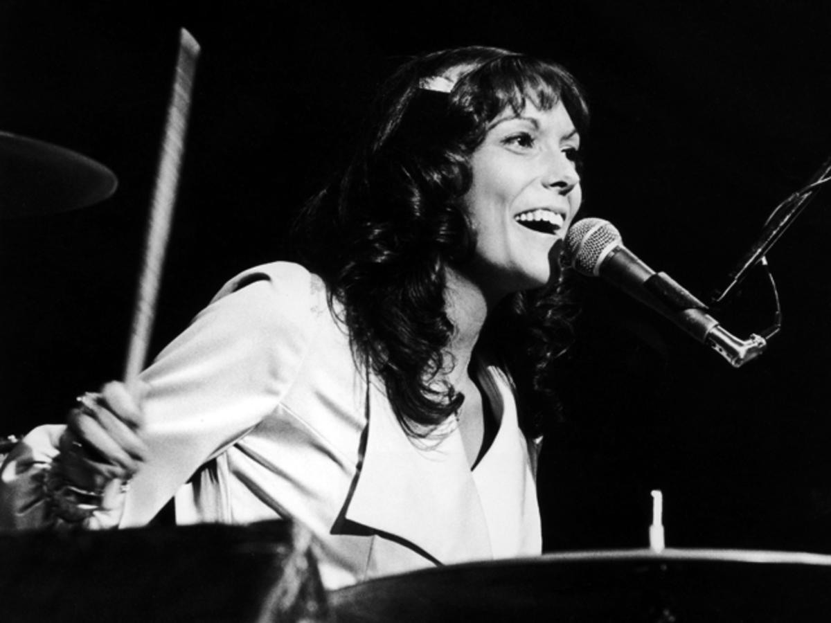 Watch Karen Carpenter Doing What She Loved to Do More Than Anything     Watch Karen Carpenter Doing What She Loved to Do More Than Anything    Inspirer