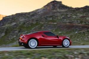 Alfa-Romeo-4C_Carscoops10[2]