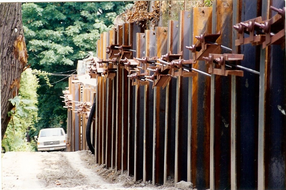 la Amorita retaining wall - 30001