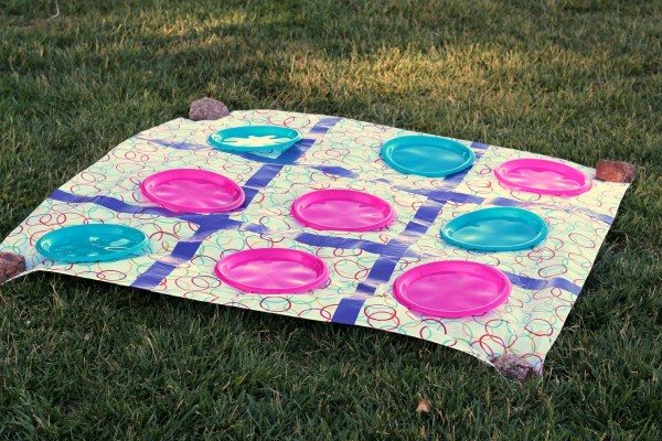 Large Outdoor Tic Tac Toe from Organize Your Stuff Now