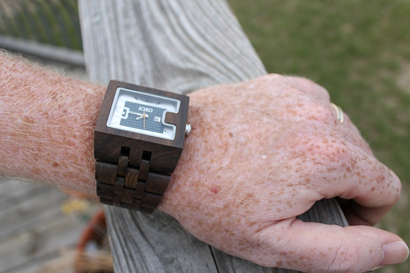 unique-gifts-for-men-jord-wooden-watches