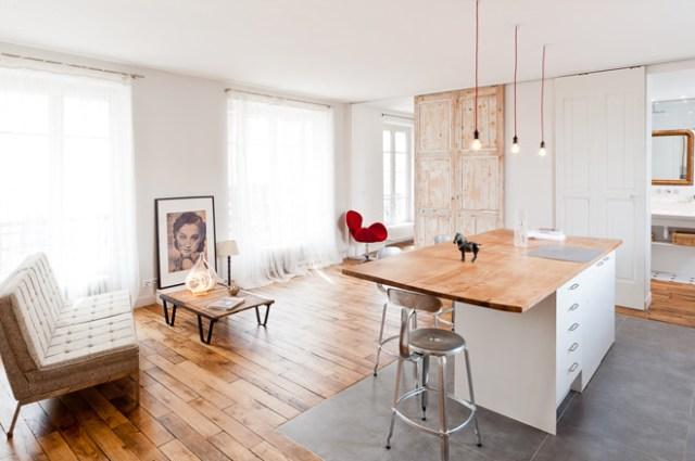 Vista general del salón , cocina y dormitorio.