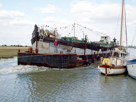 Famous Thames sailing barge Cambria comes to Faversham for restoration