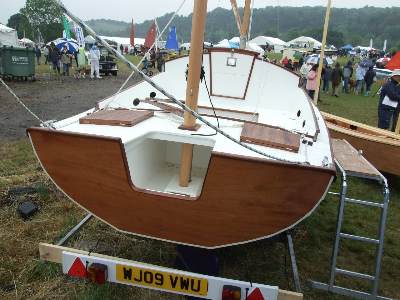 Chebacco boat designed by Phil Bolger, built by Academy ex-student Connie Mense | intheboatshed.net