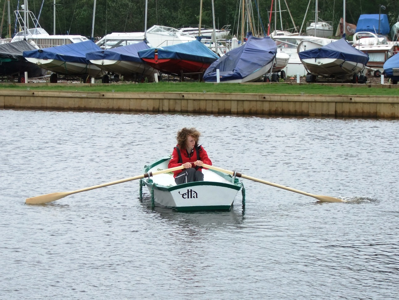 We try the rowing version of the Ella stitch and glue skiff at Barton ...