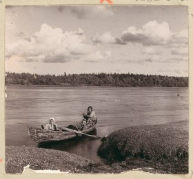 Russian photos from a century ago, including boats