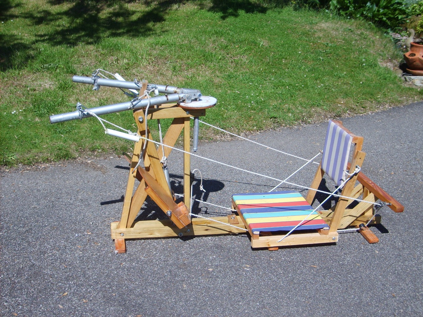 does rowing machine build