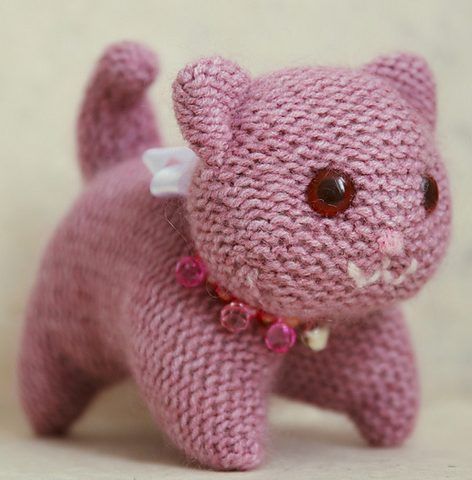 Free knitting pattern for Knitted Kitty