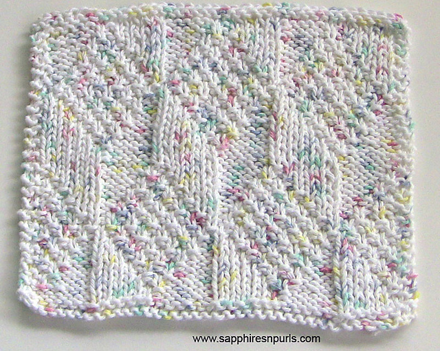 Free knitting pattern for Diamond and Lozenge Washcloth - great stash buster