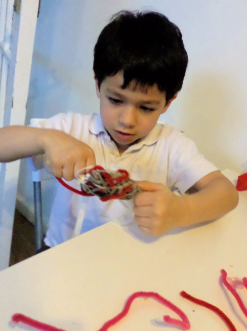 easy valentines crafts - fine motor threading