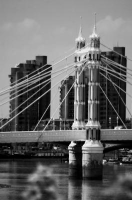 london bridge holidaying in london