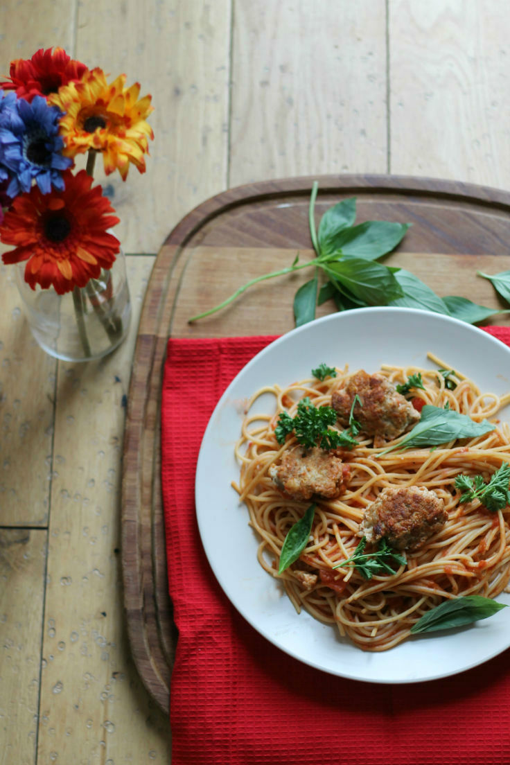 Easy turkey meatballs recipe with Spaghetti (also works with chicken)