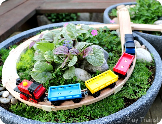 DIY outdoor train track