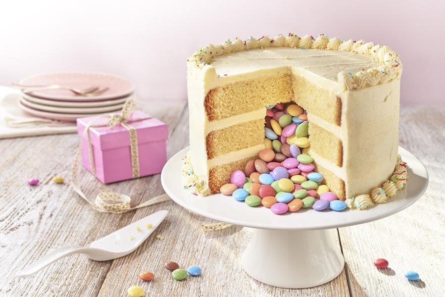 How to make a Pinata cake