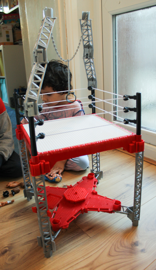 WWE Create a superstar range ring builder play set