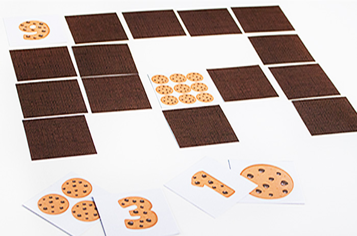 free printable cookie counting cards, use as a matching game or peg clip cards for counting and number recognition