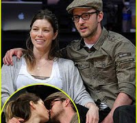 "Justin Timberlake and Jessica Biel -""He put a ring on it"""