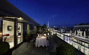 Terrace Presidential Suite by night © Hotel Sacher Wien
