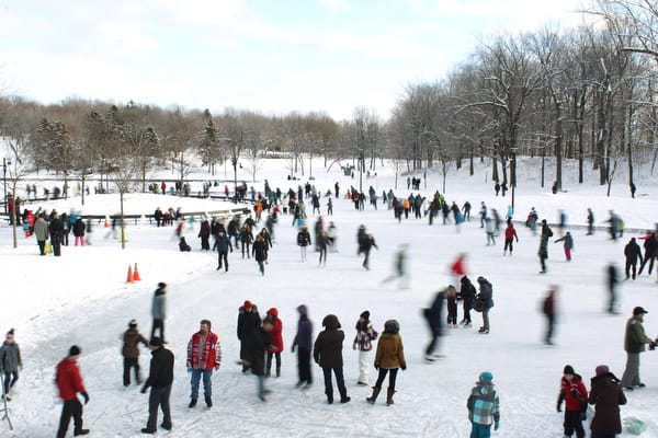 Skaters at Lac des Castor in Montreal, Monday Decemder 26, 2011. Normand Blouin / THE GAZETTE)