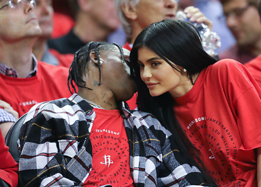 kylie jenner reportedly pregnant with travis scotts baby