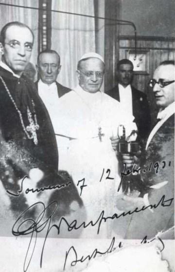 Pio XI affiancato da Pacelli per l'inaugurazione della Radio Vaticana, papa Ratti, Fascismo