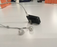 turn-wired-headphones-into-wireless