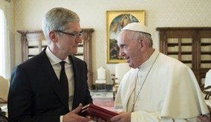 tim-cook-papa-francisco