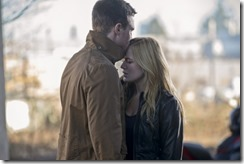 Arrow-season-2-episode-16-Oliver-and-Sara-e1394905854305[1]