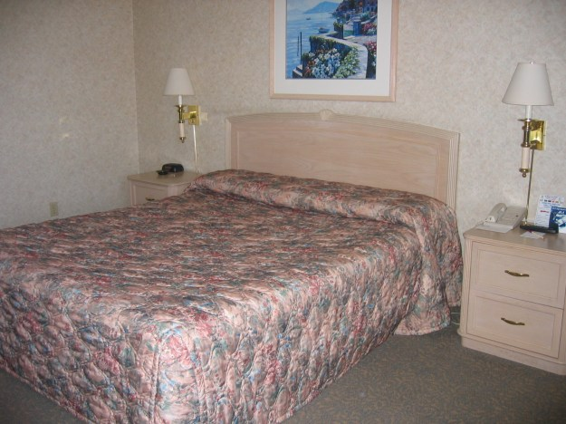 Riviera Las Vegas bed