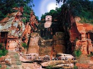 leshan_buddha_frontview_chengdu