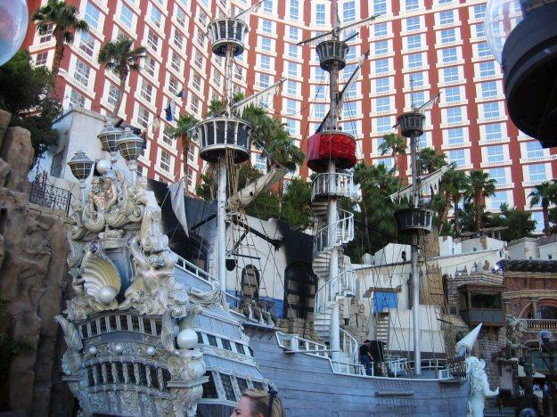 Treasure Island with pirate ship las vegas