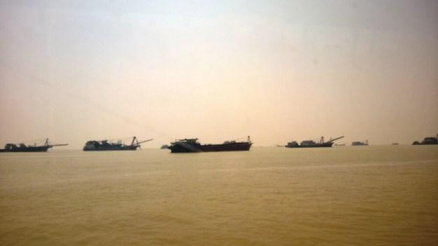 ferry from macau to shenzhen china